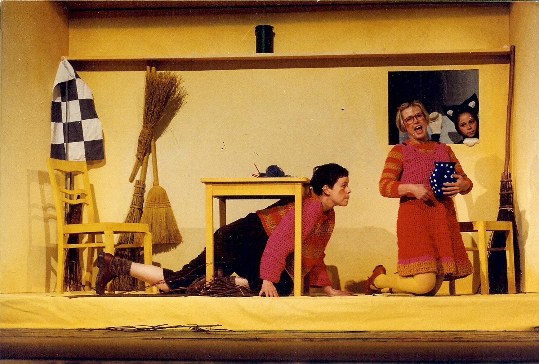 "Hänsel in ""Hänsel und Gretel"" mit Silvia Krüger, Landestheater Neustrelitz (Herbert Krüger)"