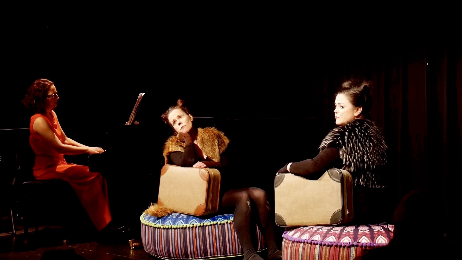 Salonlöwinnen on tour, mit Martina Jäger und Aglaia Bätzner (Ava Friedrich)