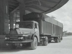 Vous connaissez l'hippodrome de CRAON  ? En 1960, nous avons participé à sa construction en béton. Au début des années 2000, nous avons transporté les tribunes en acier