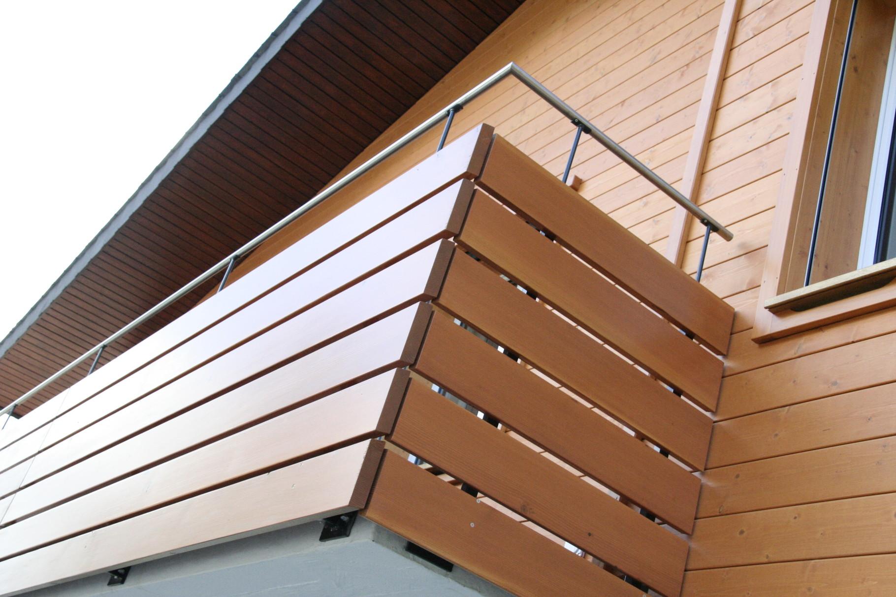 holzfassaden balkongel nder felder handwerk design. Black Bedroom Furniture Sets. Home Design Ideas
