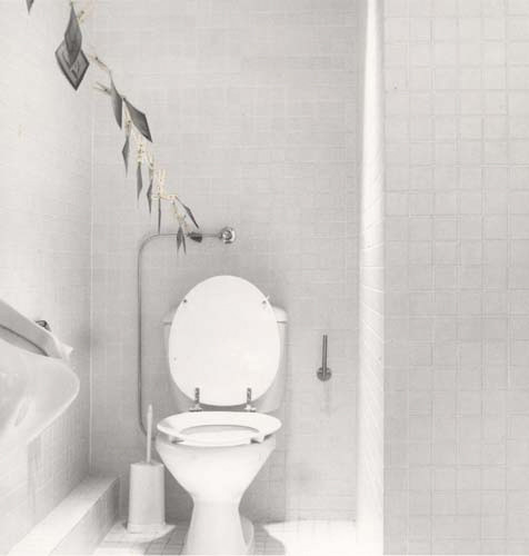 Rudy Kicken's bathroom, Cologne, 1981
