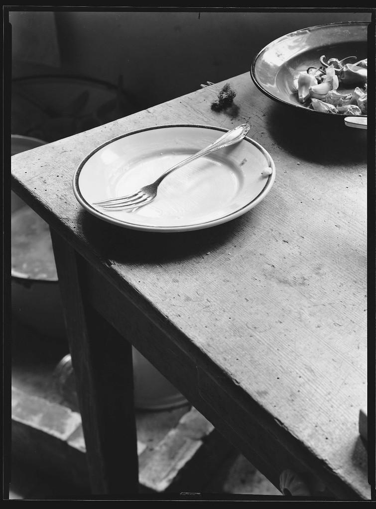 Teller mit Gabel, 1983