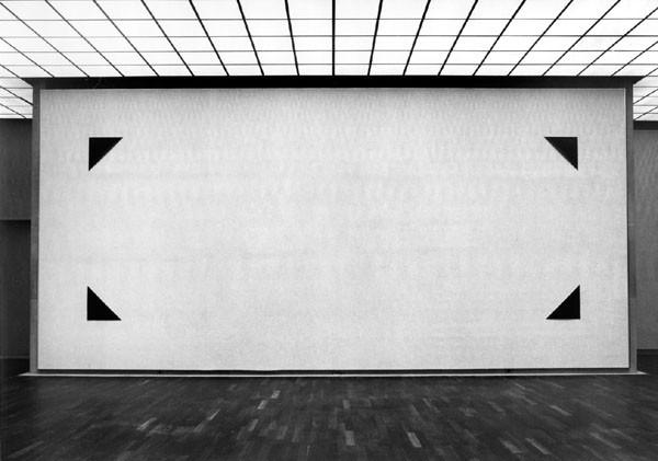 Fotoecken. Fotopapierarbeit XII, 1985. Kunsthalle Bielefeld