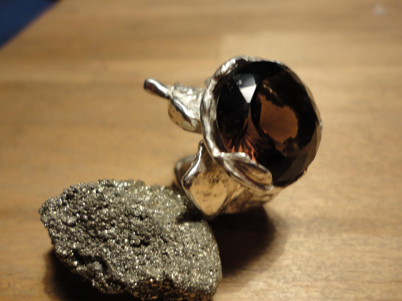 Silber-Nugget-Ring mit grossem Rauchquarz (925 Sterlingsilber) Preis: CHF 320.-