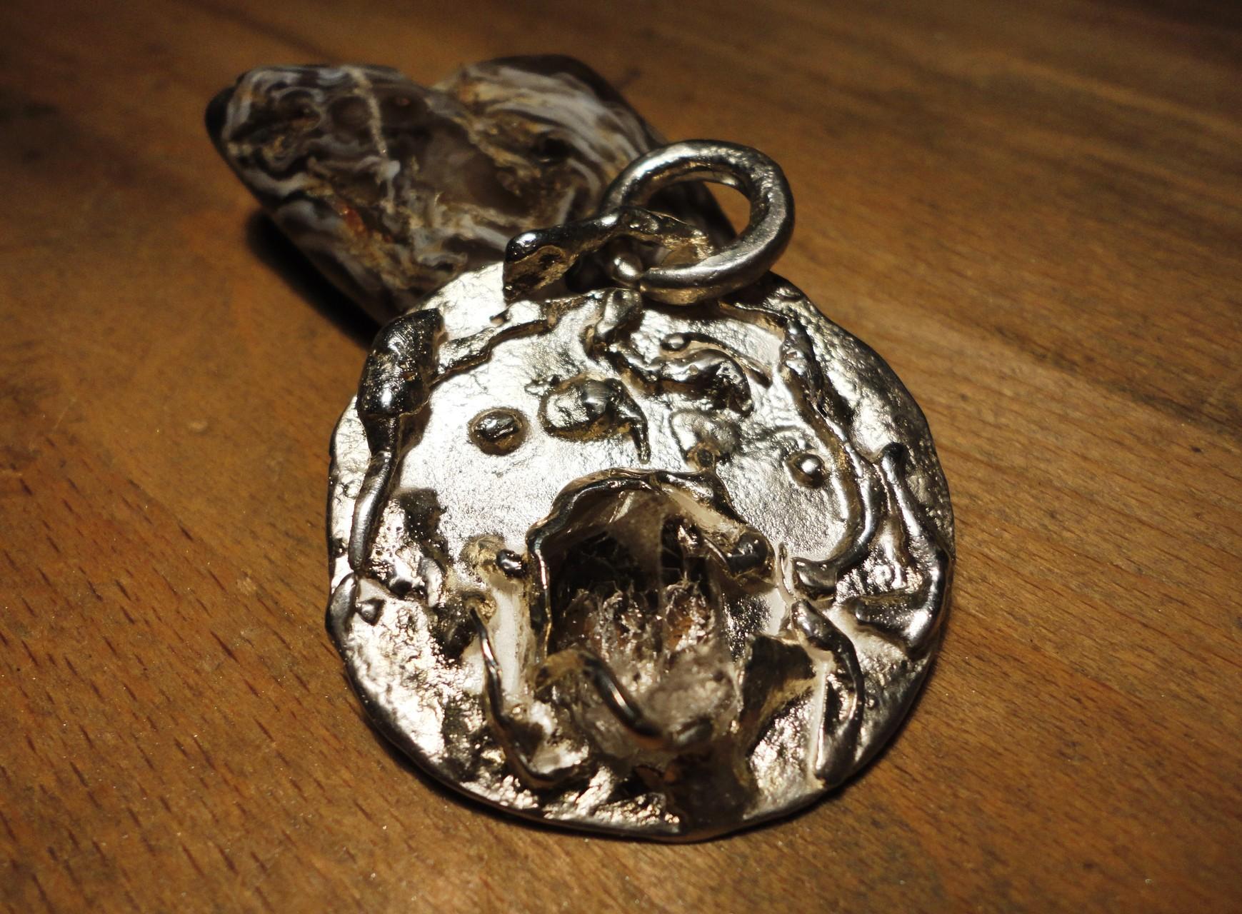 Silber-Anhänger Bergkristall - Durchmesser total: 5 cm (925 Sterlingsilber) Preis: CHF 200.-