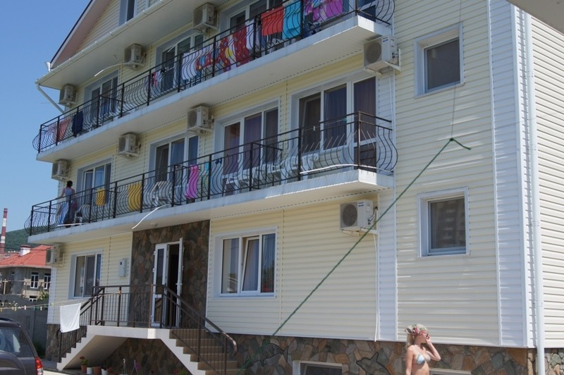 Гостиница Кипарис на улице Тормахова