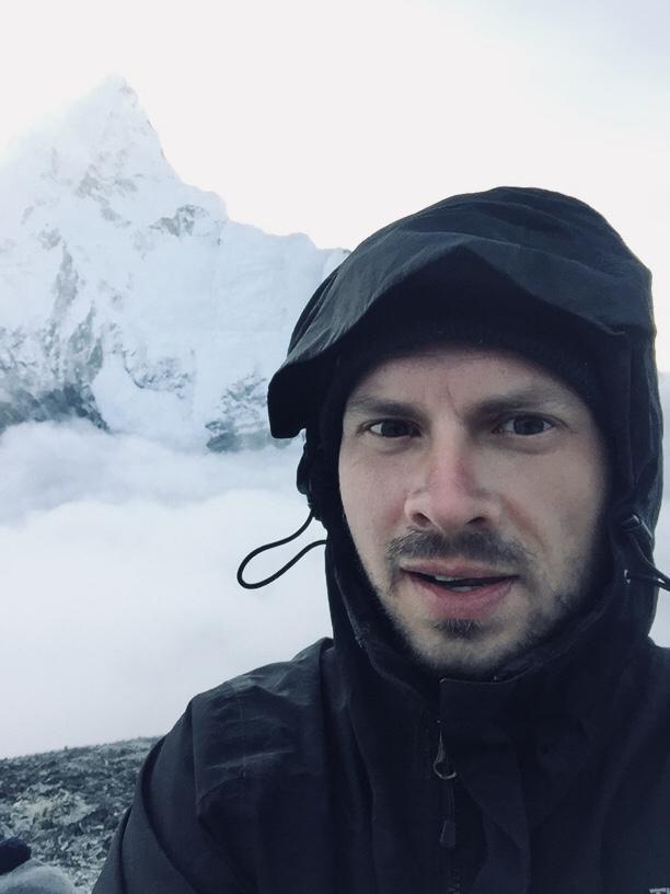 Näher werde ich der Spitze des Everests wohl nie kommen, aber ich habe mein Ziel erreicht und freue mich zutiefst darüber. Auch alle weiteren Hürden kann ich meistern, das weiß ich genau.