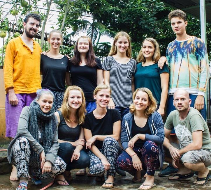 Von links nach rechts: Glenn, Franka, Bella, Tessa, Anna, Anton (hinten), Anna-Marleen, Aileen, Loni, Caro, Ben (vorn)