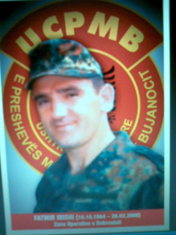 Fatmir Hajdari Ibishi Uglarë Gjilanë Z.O.e Dobrosinit 111 Ulind më 10.10.1964-26.02.2000 brigada 171