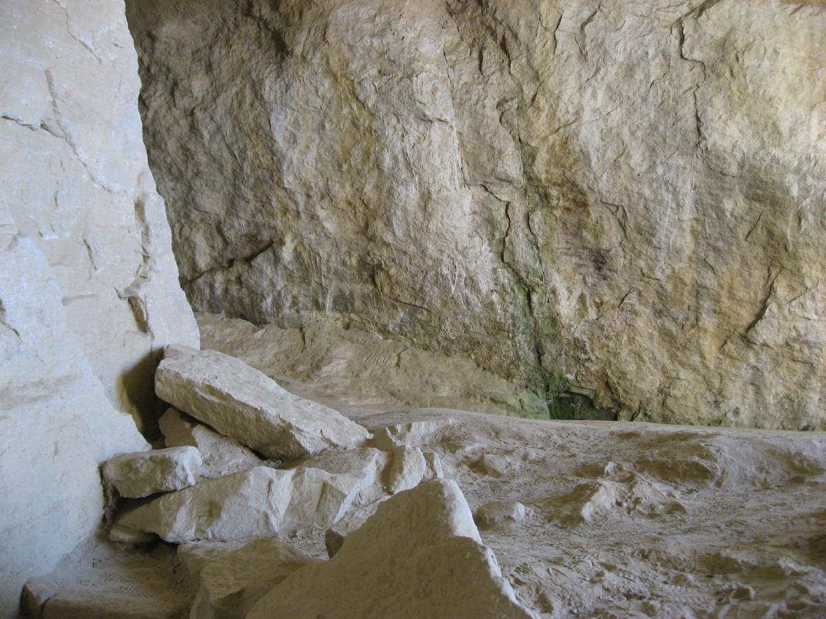 Steine in der Grotte