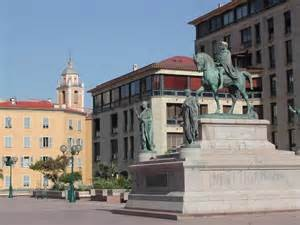 Napoléon et ses frères - place du diamant - centre ville