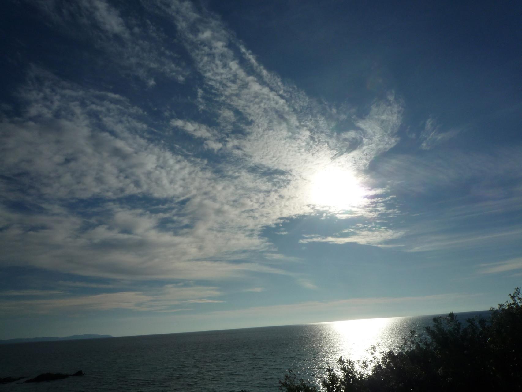 Coucher de soleil sur la mer à 400 m de la maison de Ninette