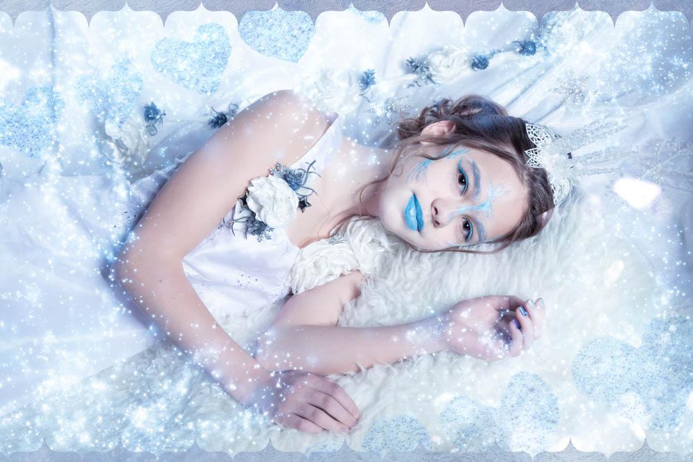Fantasyfotografie, fantasievoll inszeniert, inszenierte Peoplefotografie, Eiskönigin, Eis, Schnee, Beautyfoto