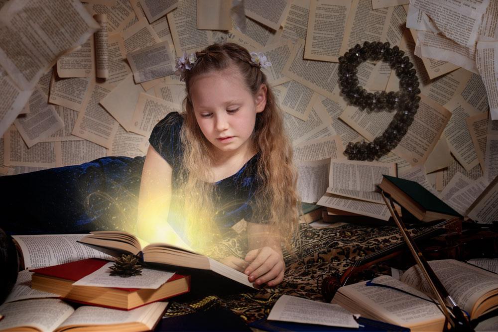 Fantasyfotografie, fantasievoll inszeniert, inszenierte Peoplefotografie, Lesen, Kinderfoto