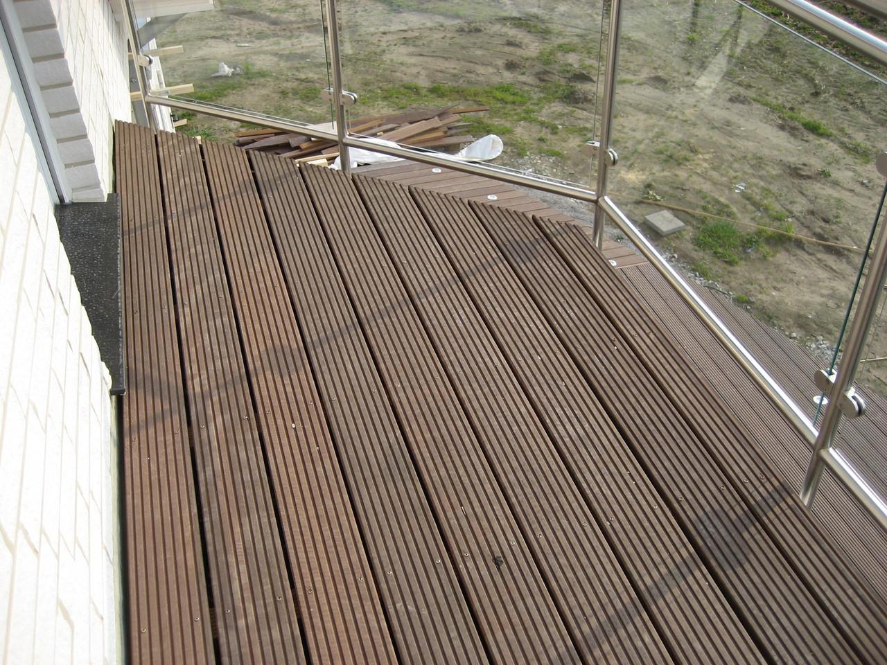 Balkon mit Massaranduba - Dielen