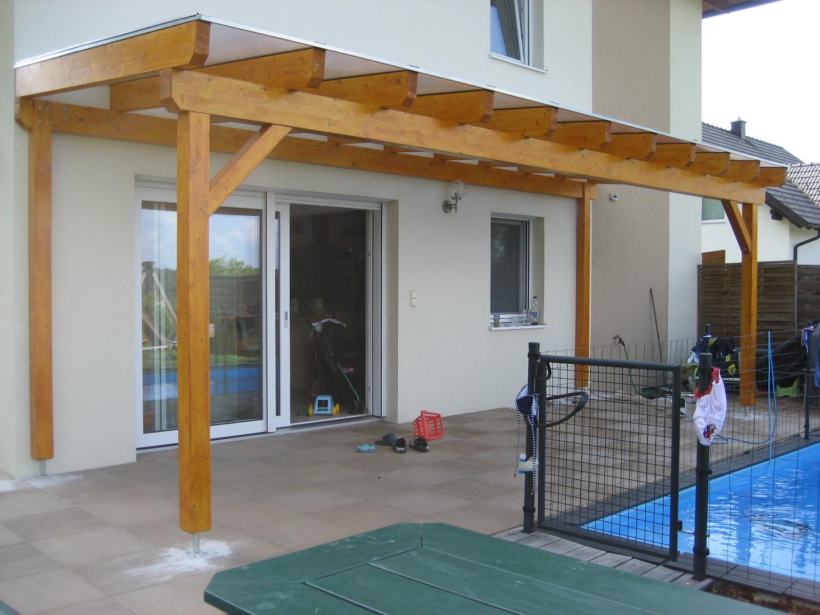 Terrassenüberdachung mit Makrolon Stegplatten