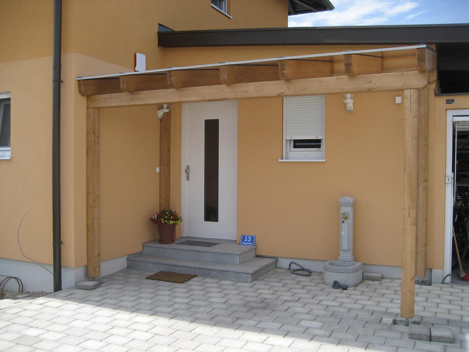 Eingangsüberdachung/Vordach mit Thermoclear- Stegplatten