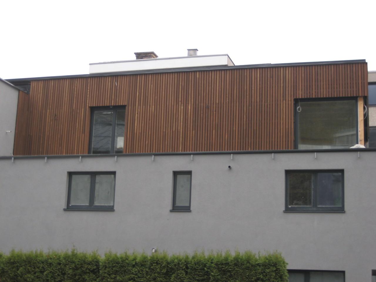 Fassade mit Thermo Esche Staffeln