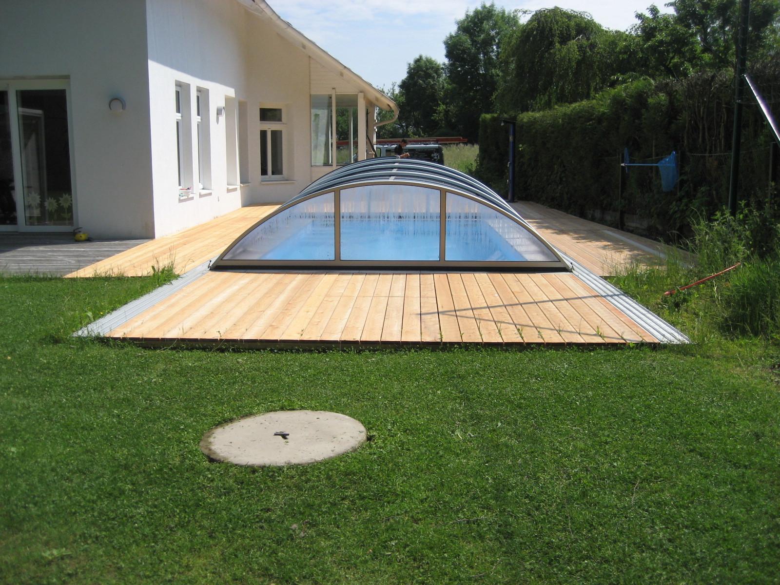 Poolumrandung und Terrasse mit Lärchendielen