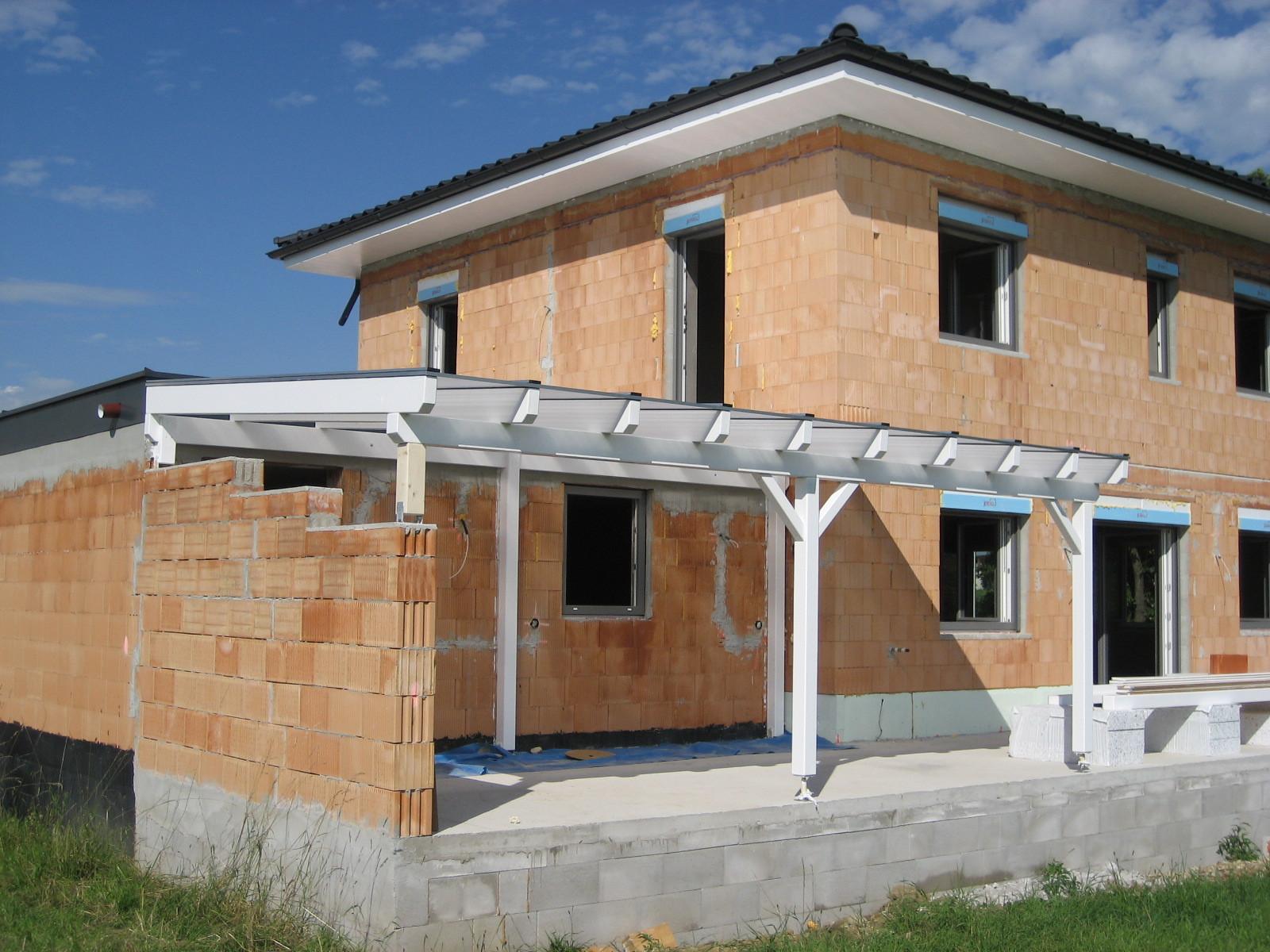 Terrassenüberdachung mit Thermoclear Stegplatten & Dachstuhl mit waagrechter Untersichtschalung