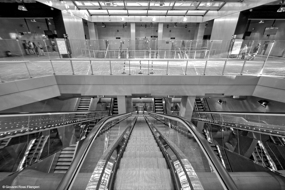 Stazione linea 1 metro Garibaldi