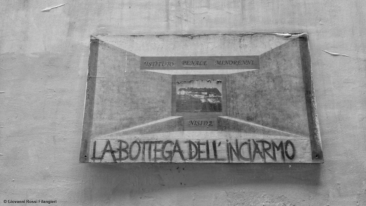 LABORATORIO ARTIGIANALE NEL CENTRO ANTICO
