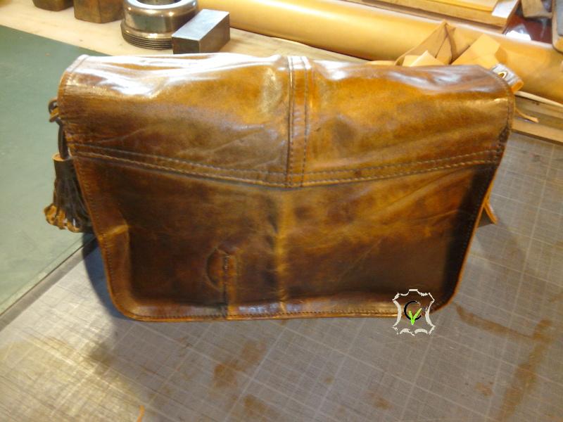 sac à main fait à partir d'un tablier en cuir, dos