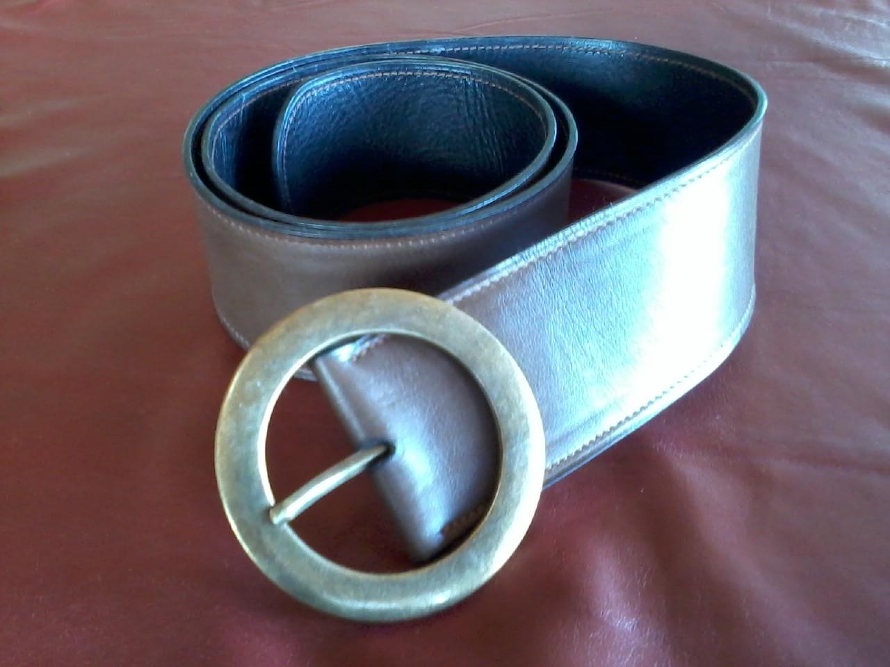 ceinture en cuir brun doublée cuir noir, boucle double ronde laiton 60mm