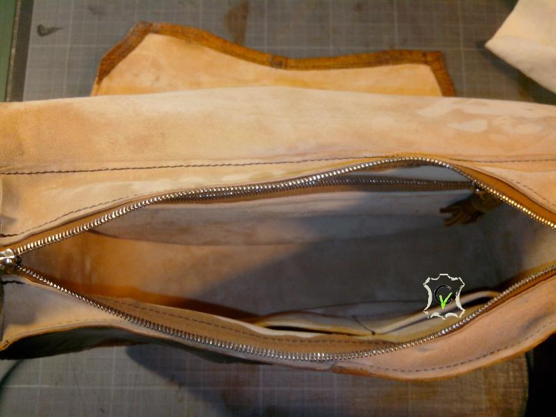 sac à main fait à partir d'un tablier en cuir, intérieur doublé en mouton velours champagne