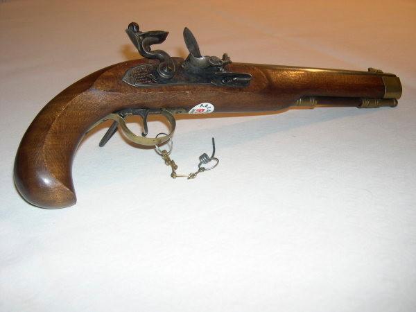Epreuve COMINAZZO- pistolet à silex (ou à mèche en origine) à un coup à canon lisse de calibre supérieur 11 mm (Origine et Réplique).