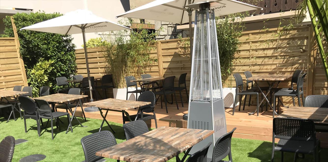 Une terrasse pour vos repas au soleil