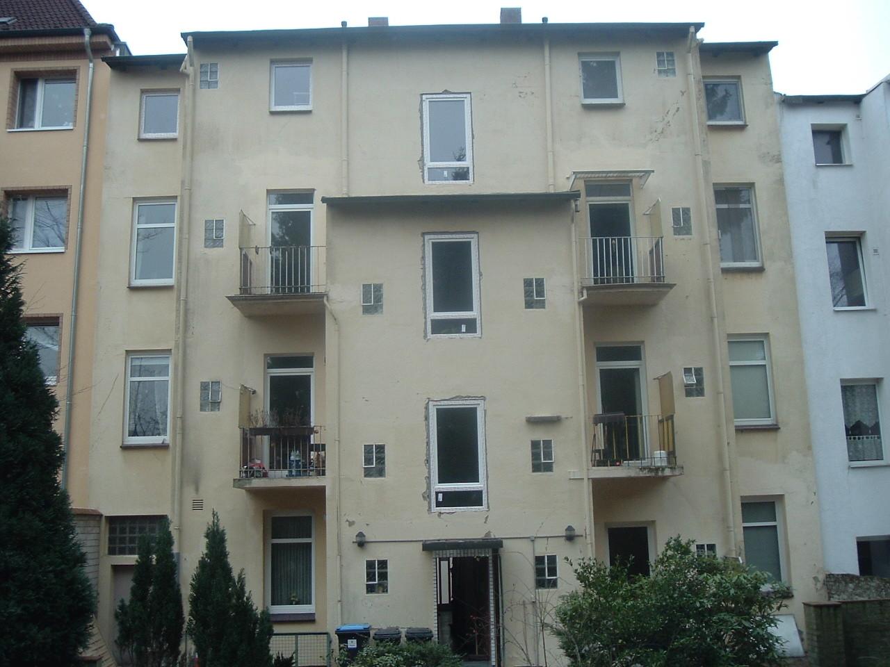 Hinterhof-Fassaden-Wärmedämmung vorher