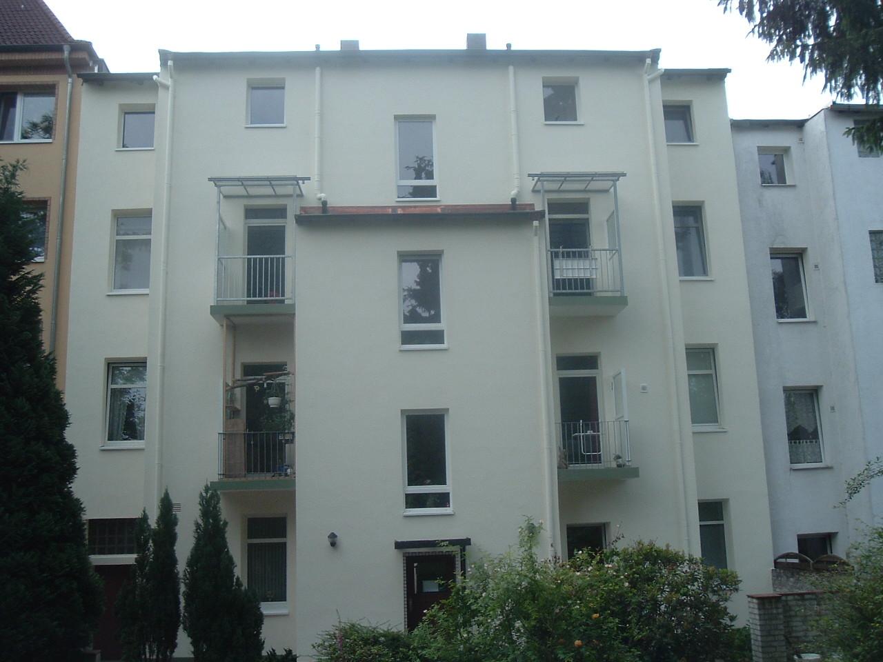 Hinterhof-Fassaden-Wärmedämmung nachher