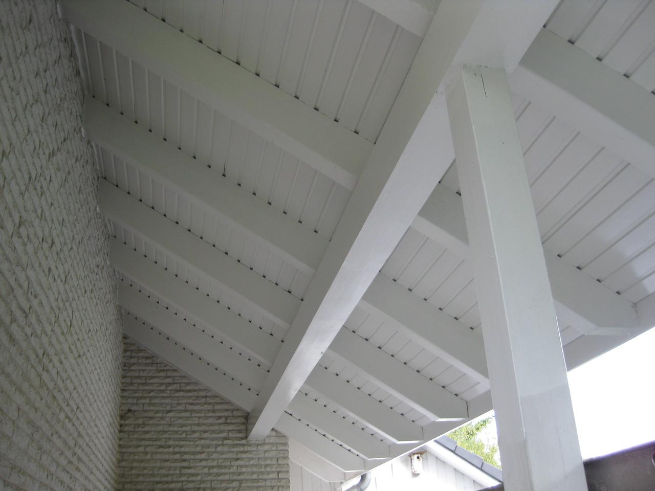 Privathaus, hochwertige Lackierarbeiten Dachüberstände 2