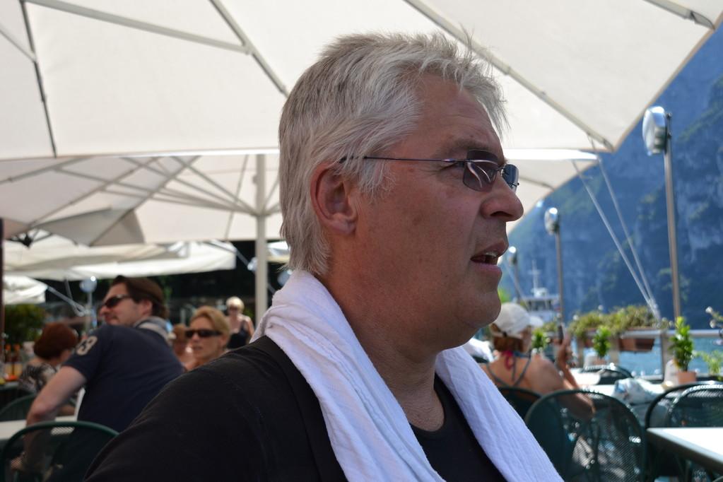 Claus bei 34° am Gardarsee restlos geschafft.