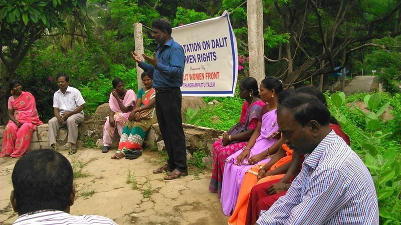 Octobre 2014 - Consultation des droits de la femme Dalite à Thandrampattu - Analyser les capacités existantes