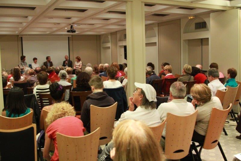 Conférence à la fête de Voyager Autrement et autres Associations solidaires - Mai 2014