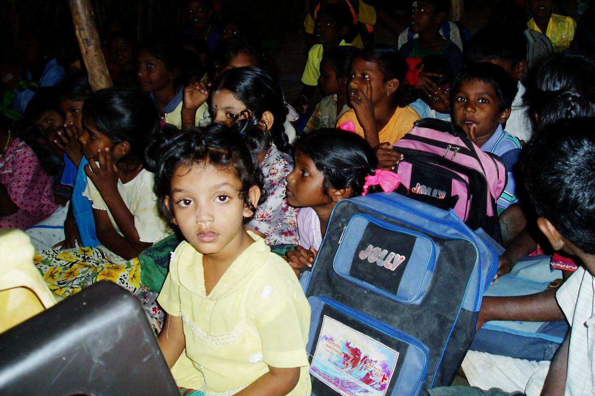 2004 - Ecole dans le village de Kodimartheru