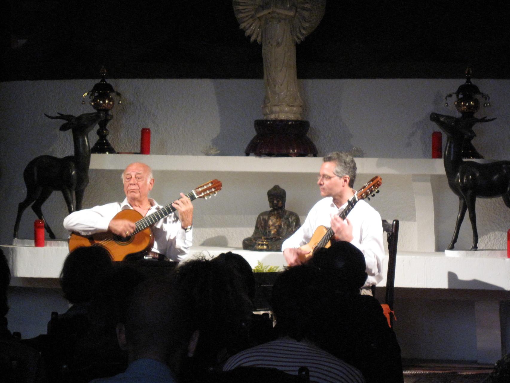 2012 - Tout le charme et l'ambiance de la musique latino-américaine.