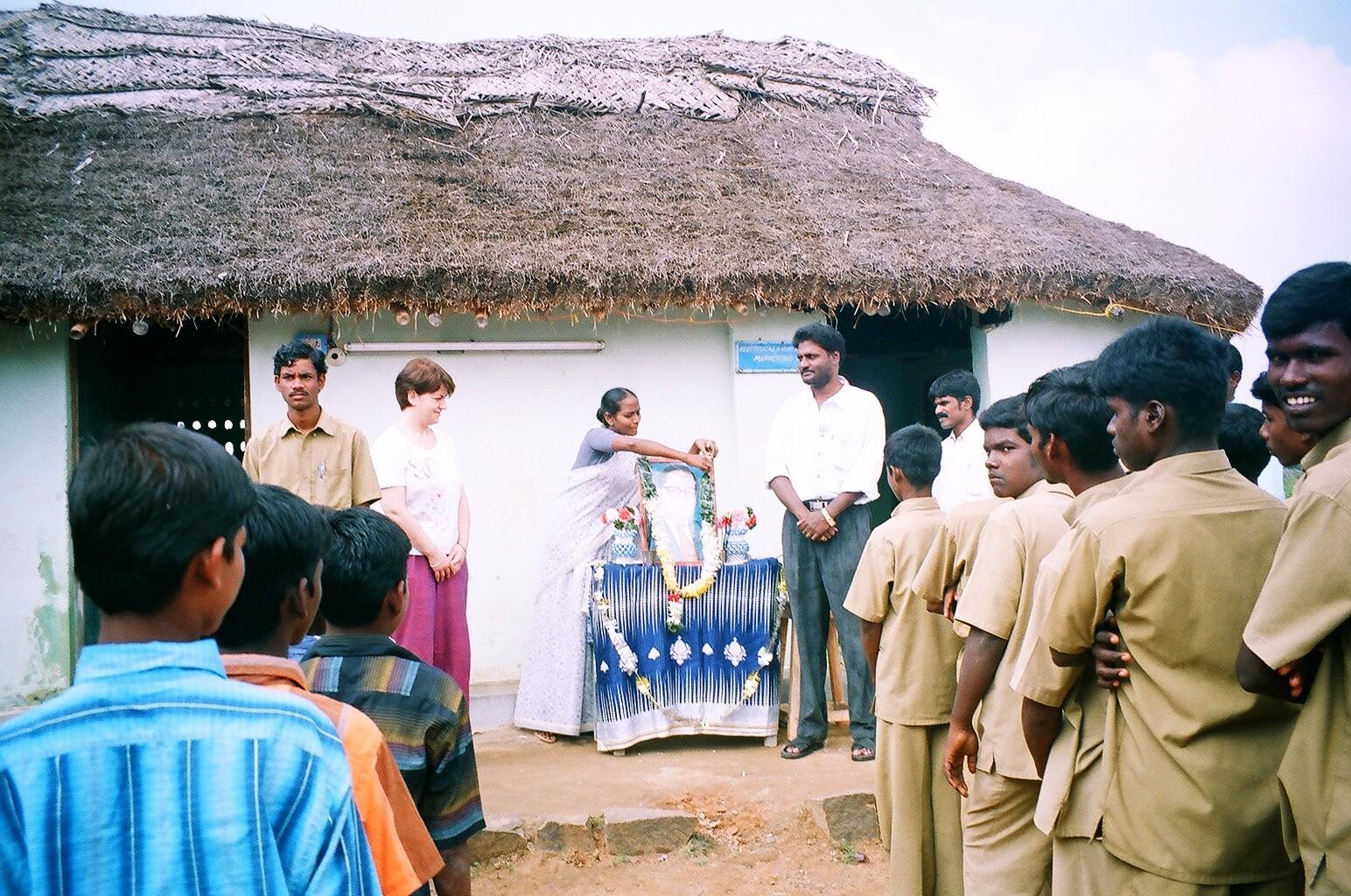 Hommage au Dr Ambedkar au centre Suvasam - 6 décembre 2005