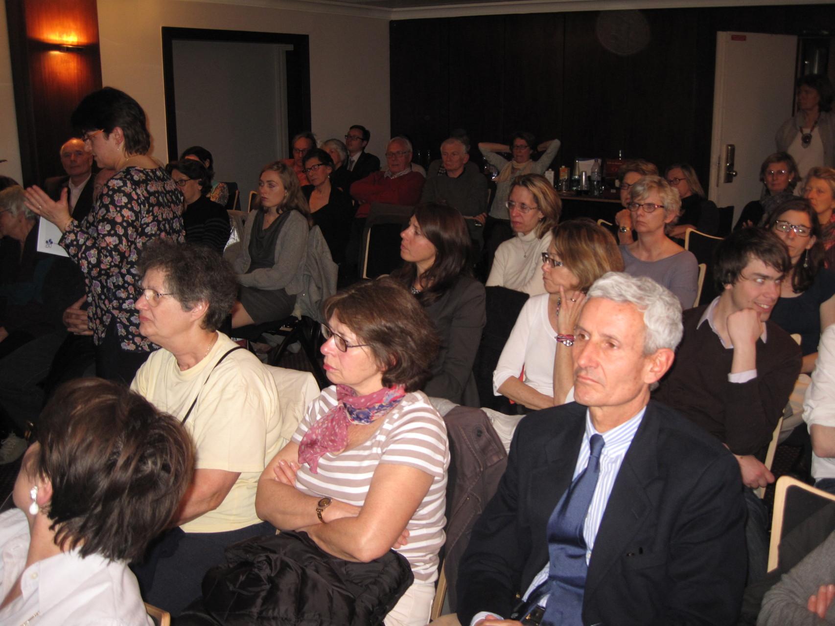 2012 - Assemblée très attentive