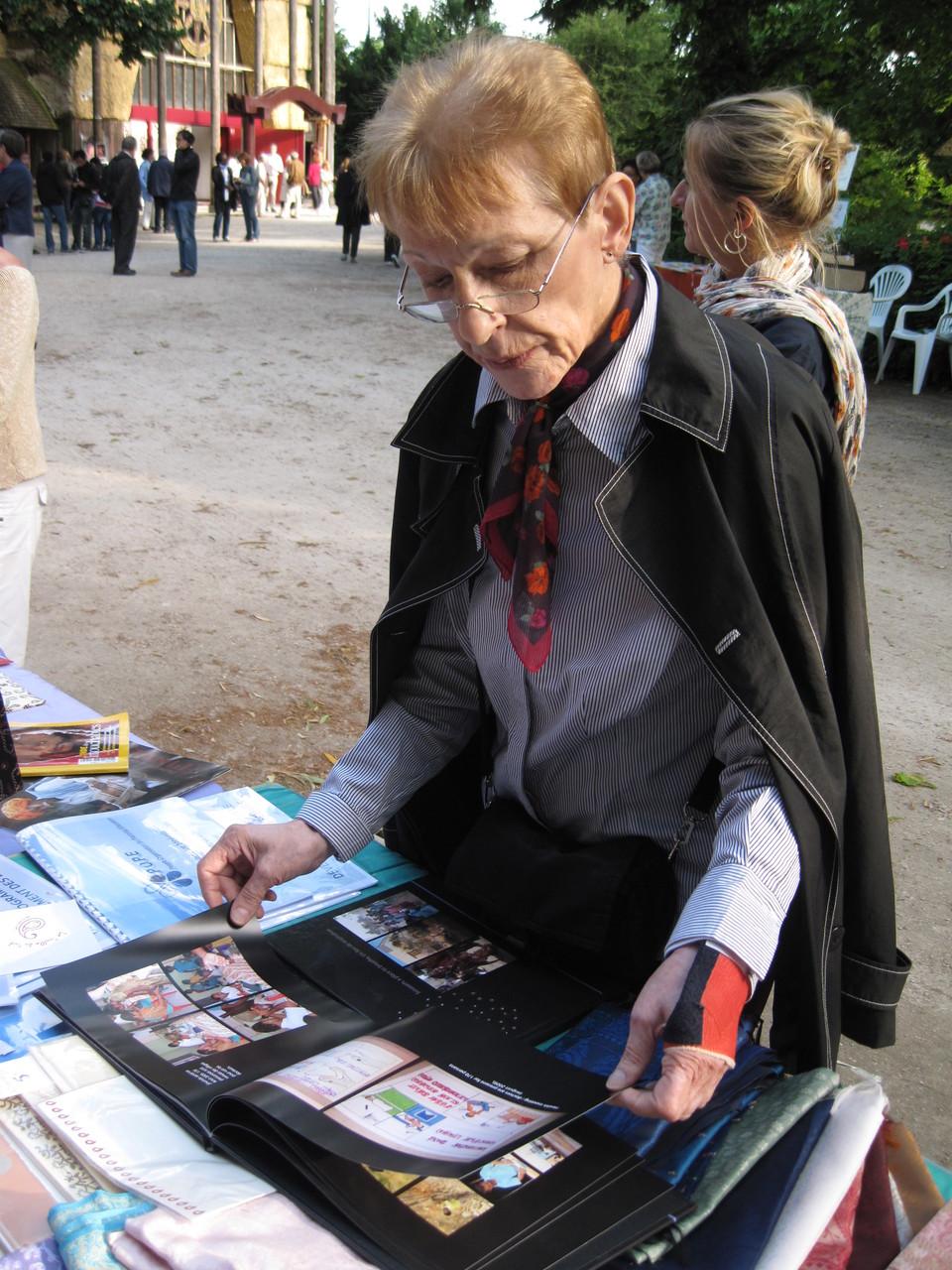 2012 - Danielle notre future Trésorière découvre ces 2 livres illustrés de magnifiques photos.