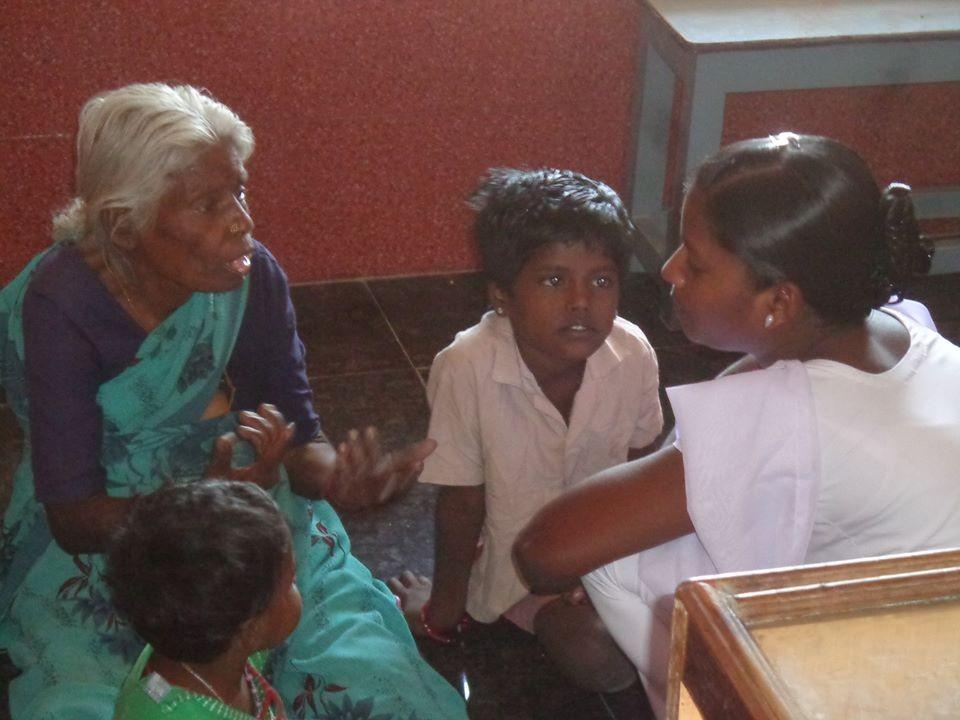Mars 2015 - Avant la visite ophtalmologique au centre médical de POPE