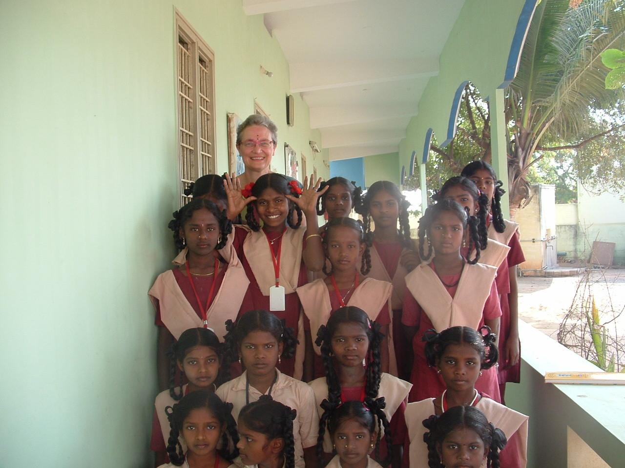 Avant le départ à l'école des élèves de Suvasam - Janvier 2014