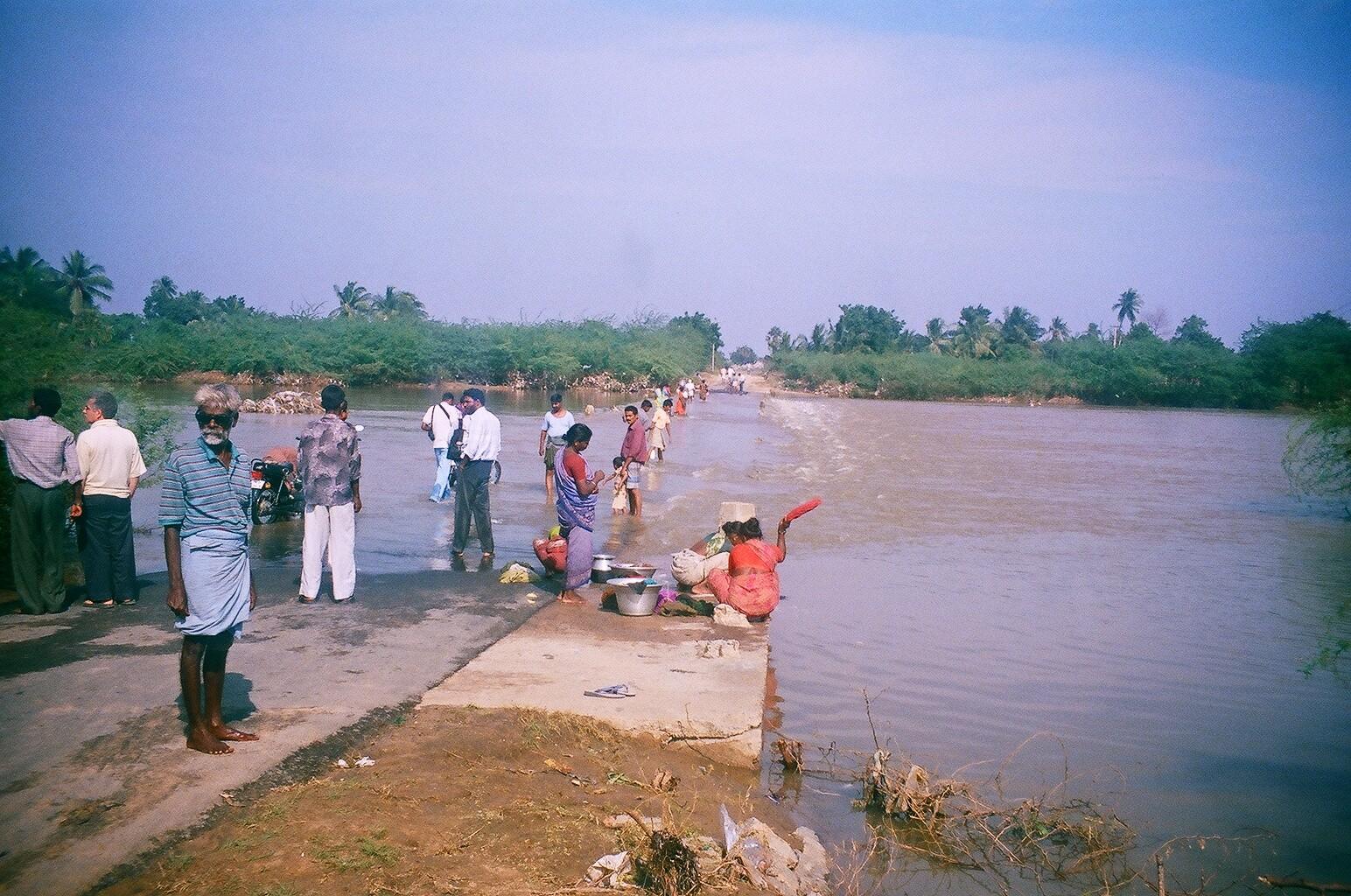 Décembre 2005 - Inondation à Thazhankuda - - La veille l'eau arrivait à épaule d'homme