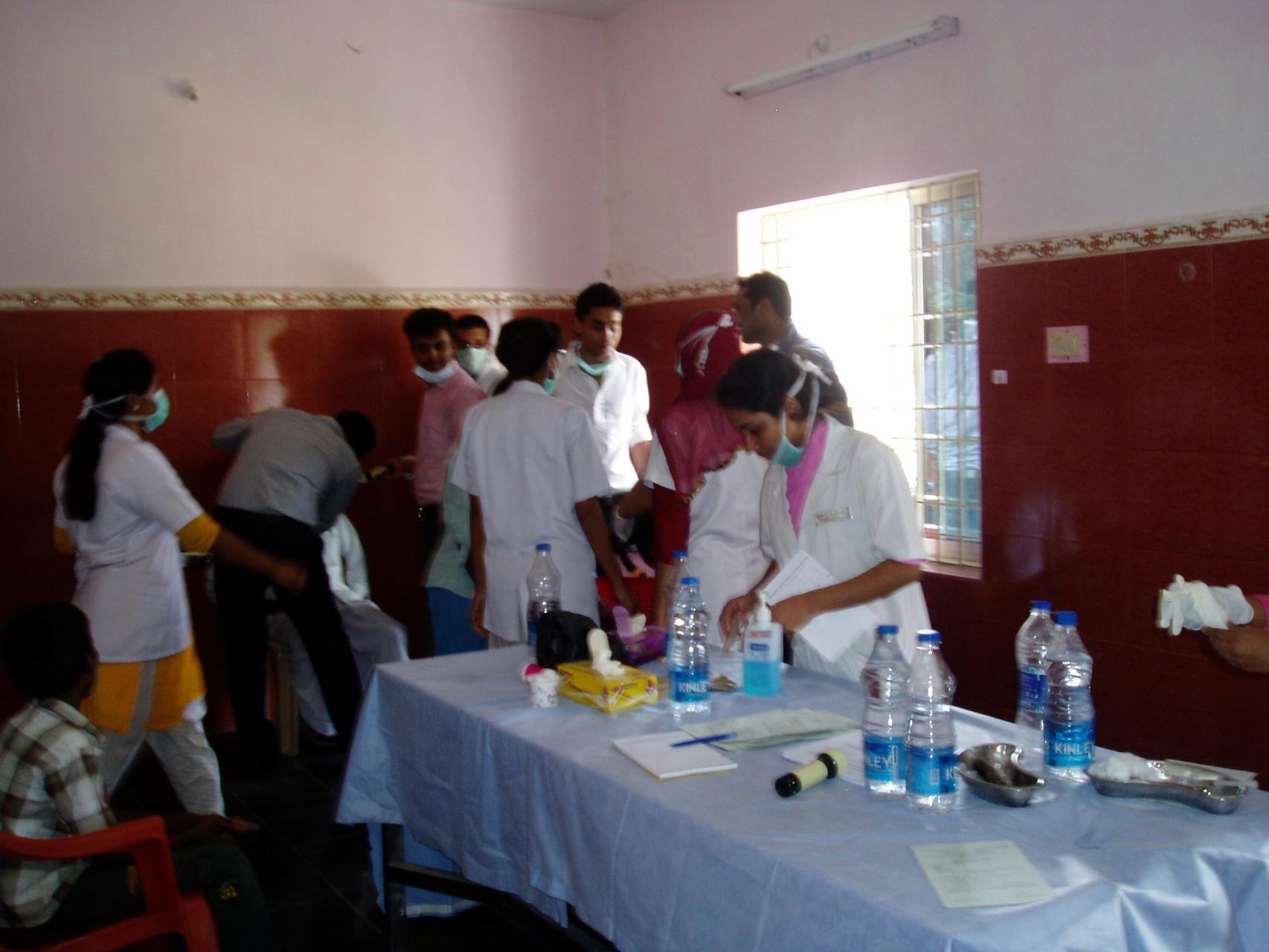 Avril 2014 - Préparation du matériel dentaire