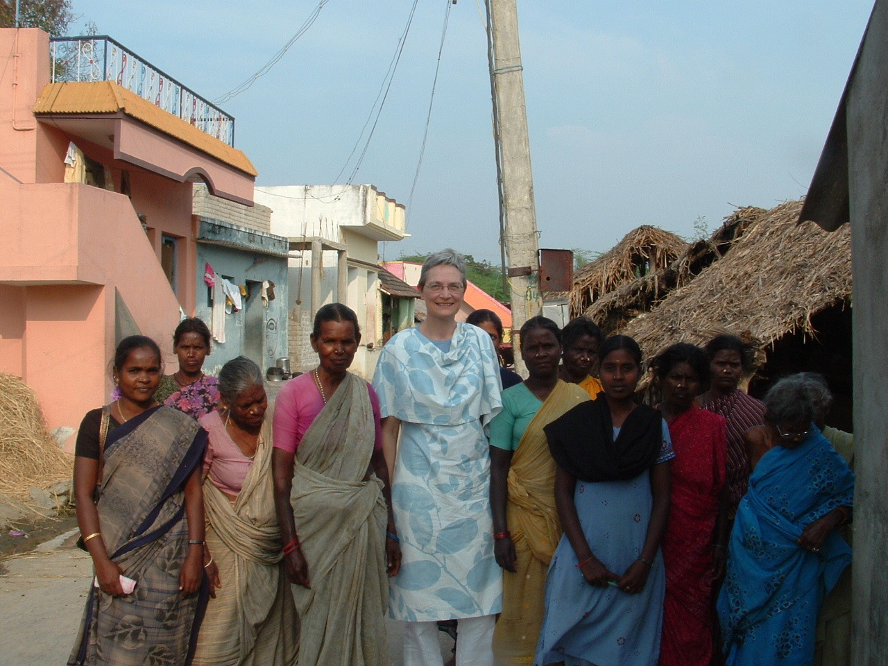 Avec un groupe d'entraide de femmes au sein du village - Octobre 2011