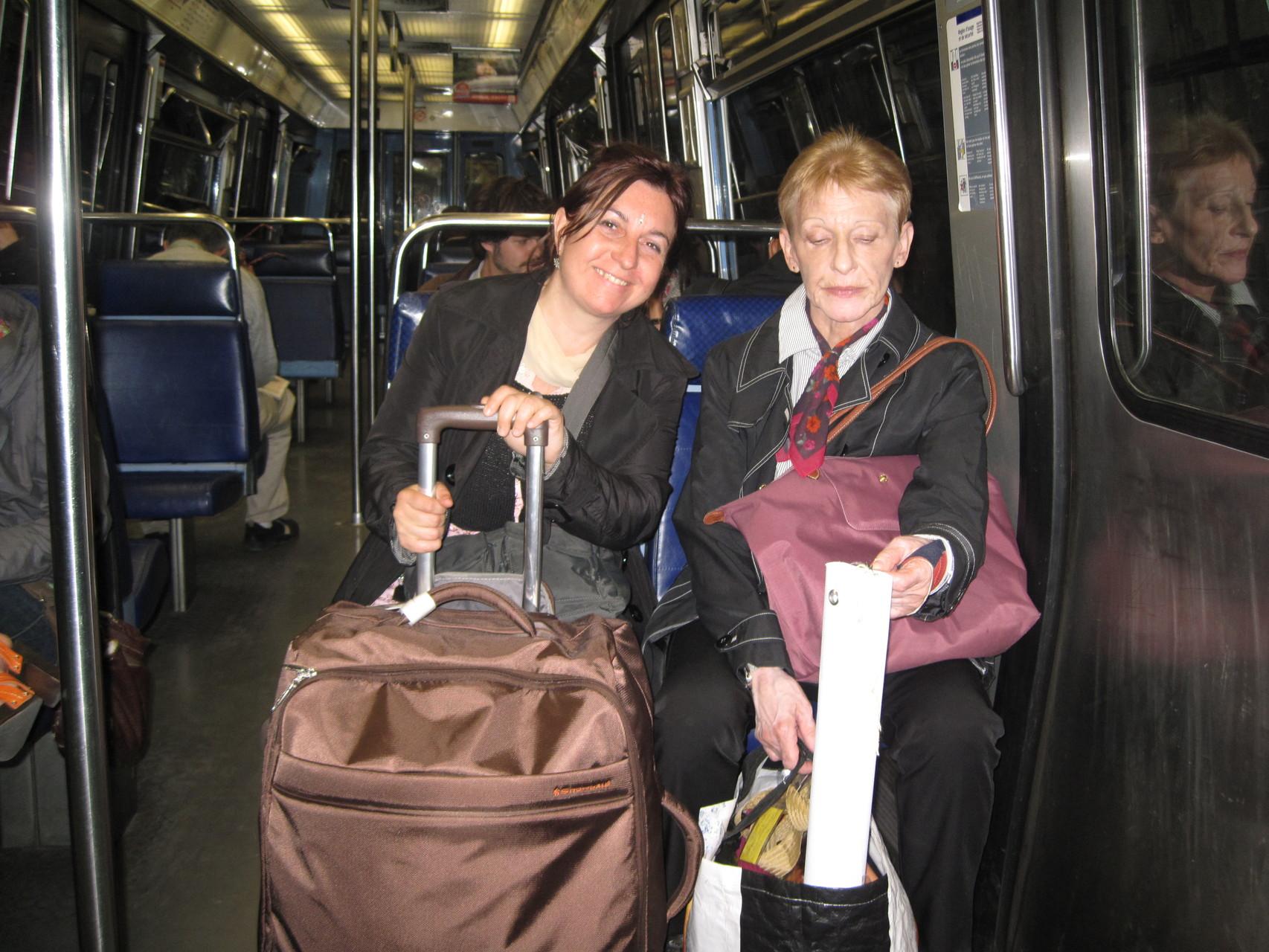 2012 - La journée est finie, nous avons fait de belles rencontres. Le métro nous ramène à la maison.