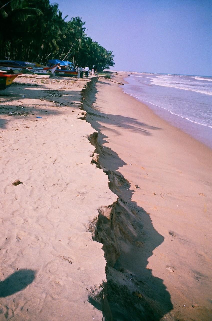 Décembre 2005 - Thazhankuda - La mer a avancé de 30 mètres après le tsunami