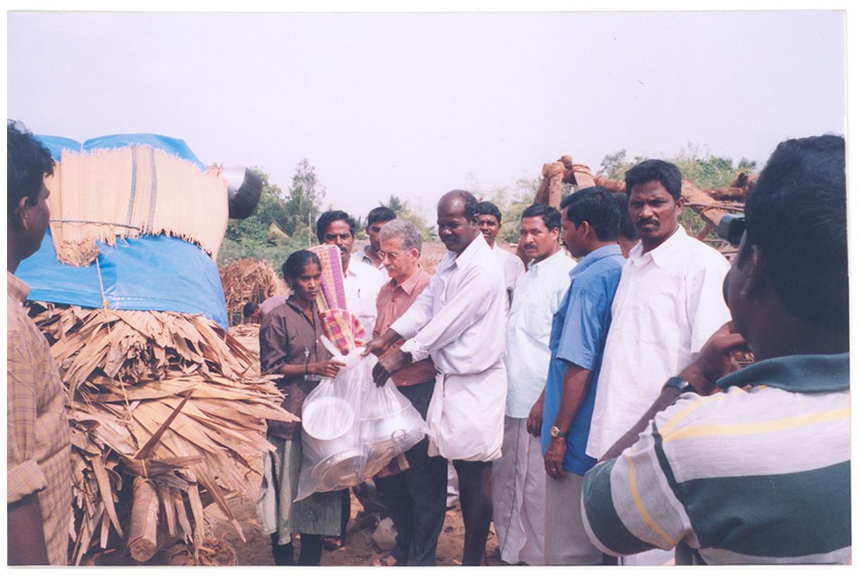 Janvier 2004 - 1ère aide de POPE et GRRC aux victimes du tsunami